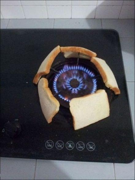 烤个面包我容易吗我.